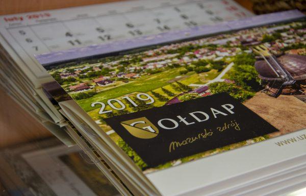Kalendarz wiszący trójdzielny